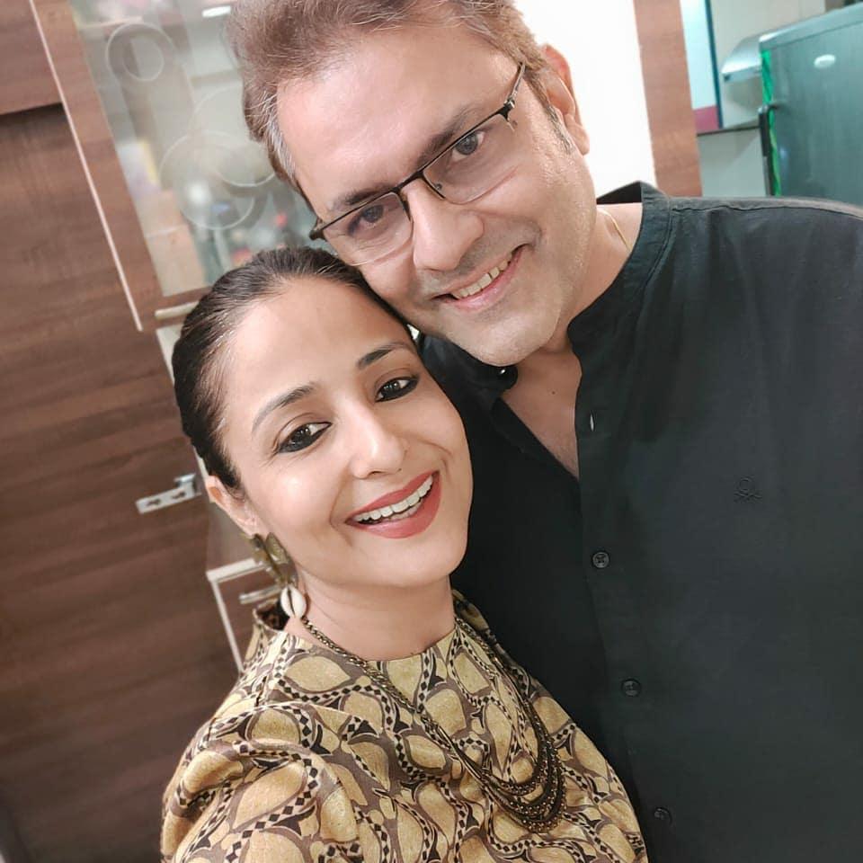 Lata Sabharwal, sanjeev seth