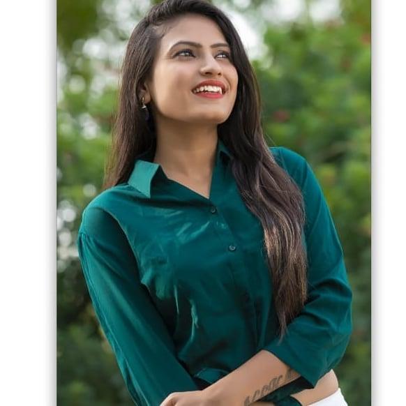Neha Suthar age, wiki, pic, family, husband, biography, birthday, photos