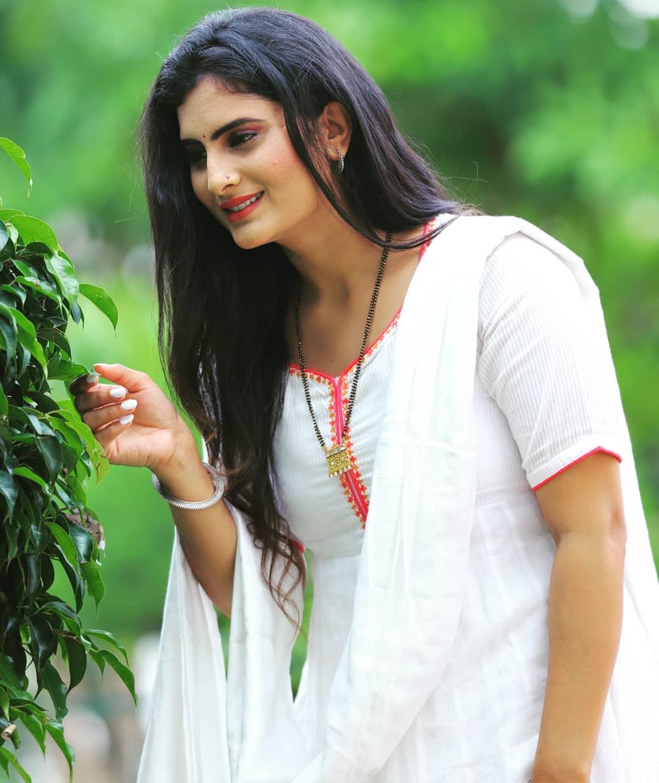 zeel joshi image
