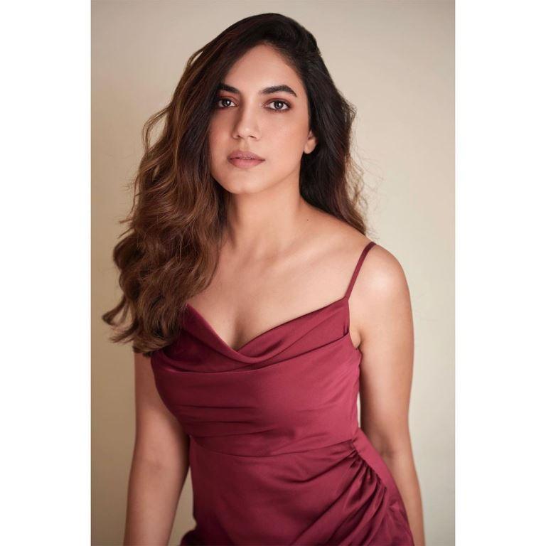 Ritu Varma (Actress)Age, Height, Husband, Boyfriend, Family, Biography Hindi