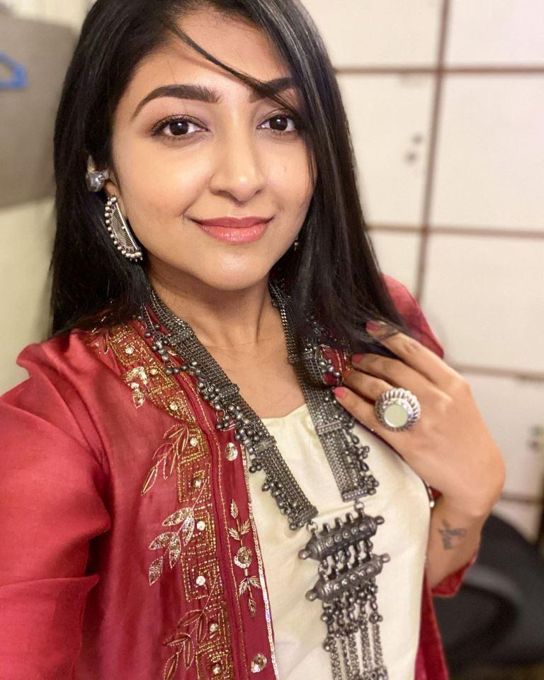 Bhoomi Trivedi Age 2021, Net Worth, Boyfriend, Husband, Family, Photos, Biography hindi