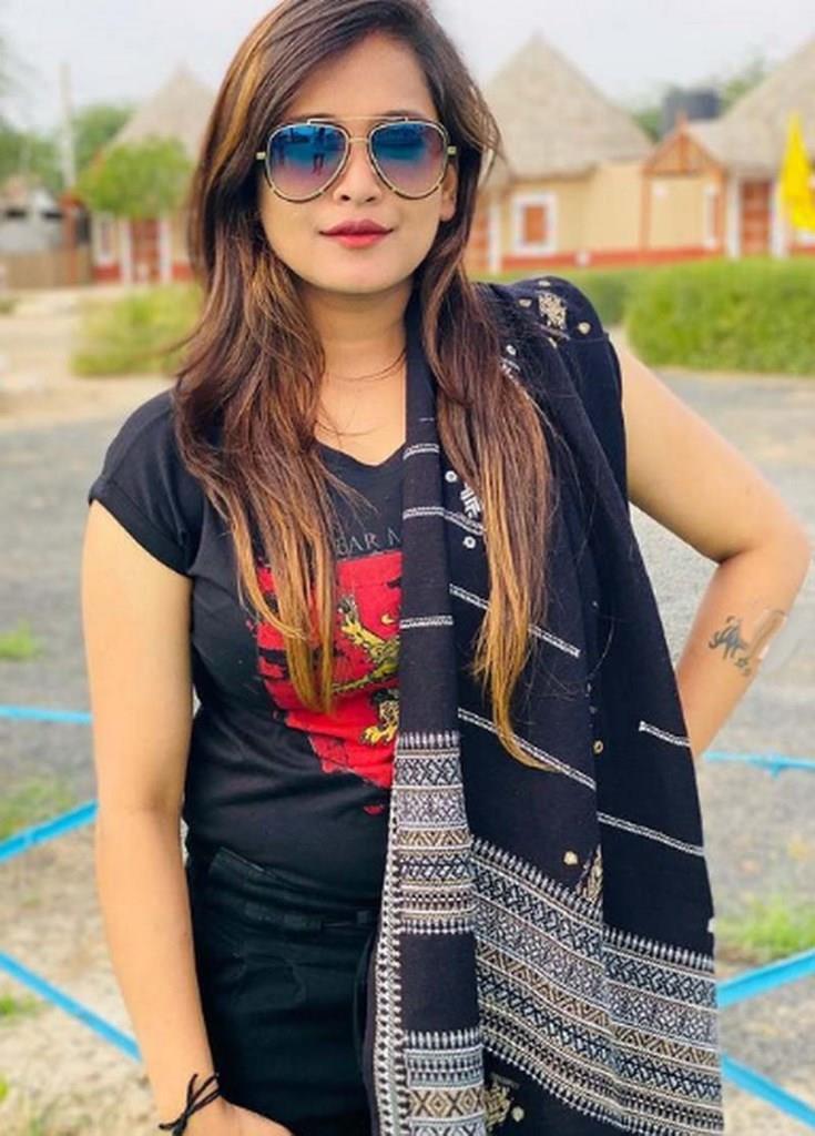 Kirti Patel Biography, Age, Wiki, Husband, Number, Family, photos, माता-पिता (Parents), Profile