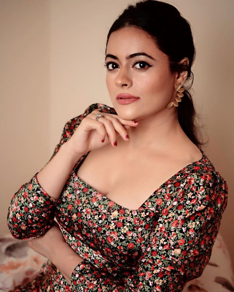 Shruti Sodhi (Actress) Age, Family, Birth date, Height in feet, Photos HD,  Biography & More