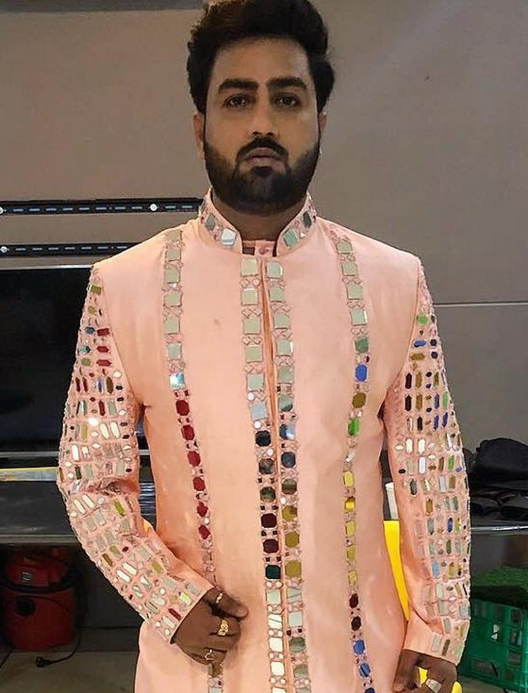 Umesh Barot wife, Age, brother, birth place, family, history, image, lifestyle, biography