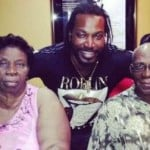 Chris Gayle with his माता-पिता (Parents)