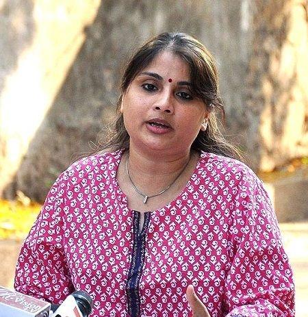Pallavi Sarraf (Inder Kumar's Wife) Age, Husband, Children, Biography & More