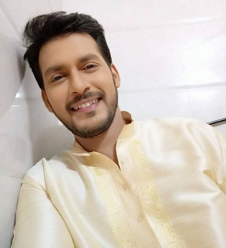 Raja Goswami (Bengali Actor) Wife, Family, Photos, Net Worth, Height, Age, Date of Birth, Girlfriend, Biography