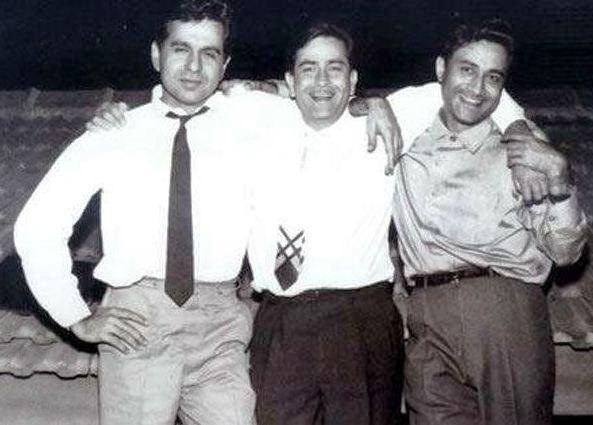 दिलीप कुमार (बाएं), राज कपूर (बीच में), और देव आनंद (दाएं)