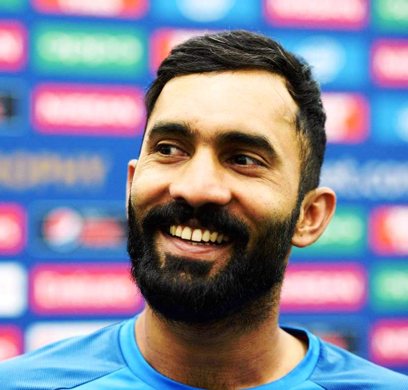 Dinesh Karthik (Cricketer) Family, Photos, Net Worth, Height, Age, Date of Birth, Wife, Girlfriend, Biography