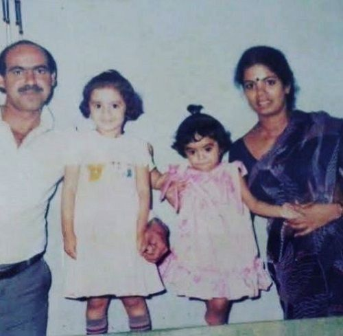 A Childhood Picture of Archana Chandhoke With Her Family
