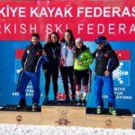 आंचल ठाकुर ने स्लैलम स्कीइंग कांस्य प्राप्त किया