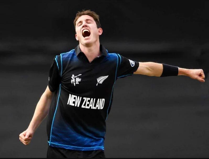 2015 विश्व कप में न्यूजीलैंड टीम के लिए एडम मिल्ने