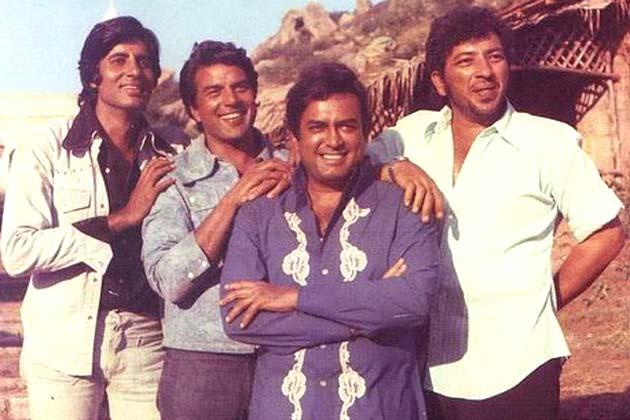 शोले की शूटिंग के दौरान अमिताभ बच्चन, धर्मेंद्र, संजीव कुमार, अमजद खान
