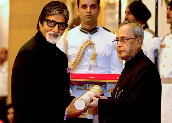 Amitabh Bachchan receiving Padma Vibhushan