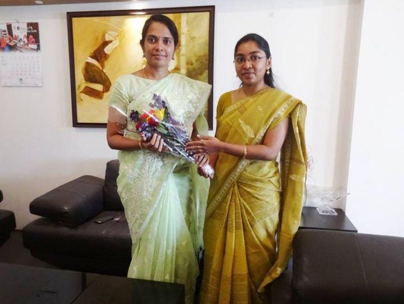 2012 बैच के आईएएस अधिकारी एनीस कनमनी जॉय (बाएं) ने फरवरी 2019 में कोडागु के नए उपायुक्त के रूप में कार्यभार संभाला।