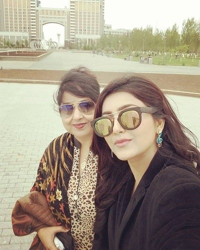 Avantika Mishra with her mother