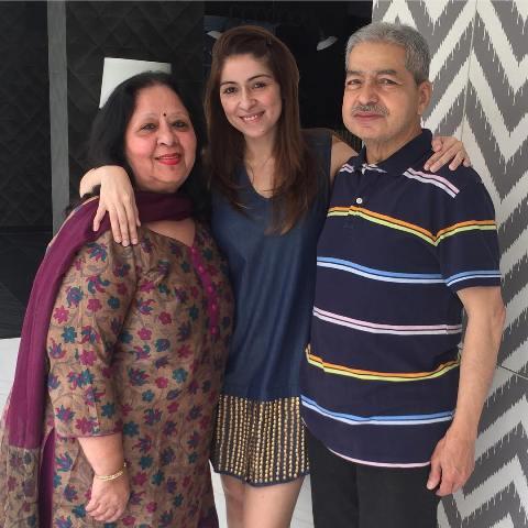 Bhavana Pandey with her parents