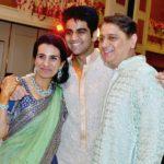Deepak Kochhar With His Son Arjun (Center) and spouse Chanda Kochhar