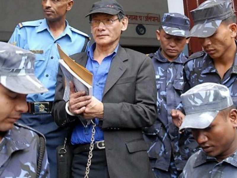 चार्ल्स शोभराज को नेपाल में सुनवाई के लिए ले जाया जा रहा है