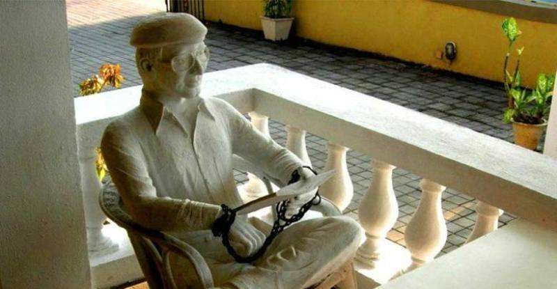 ओ कोकिरो रेस्तरां में चार्ल्स शोभराज की प्रतिमा