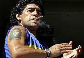 डिएगो माराडोना धूम्रपान