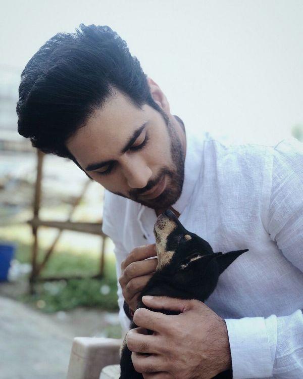 गौरव अलुघ, एक कुत्ता प्रेमी
