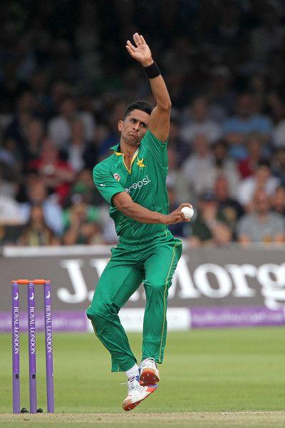Hasan Ali bowling