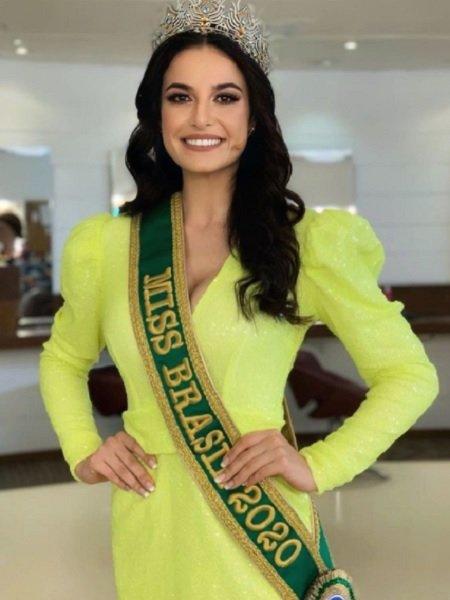 जूलिया गामा मिस यूनिवर्स ब्राजील 2020 . के रूप में