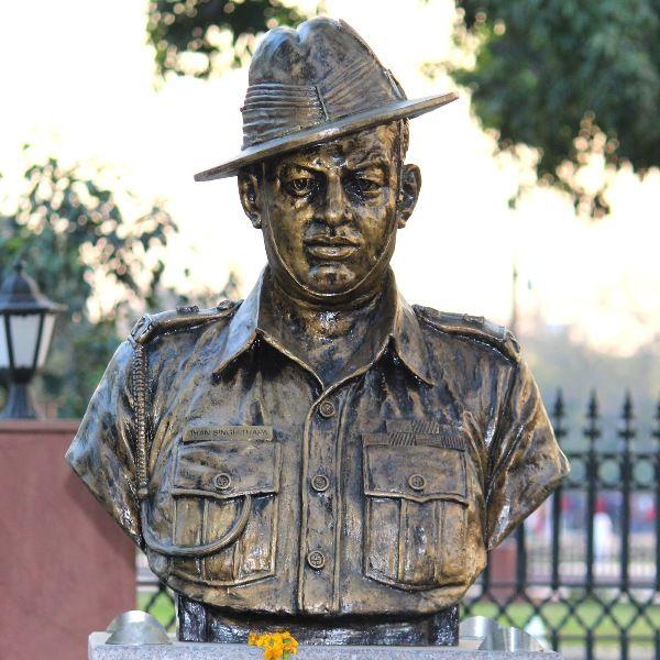 दिल्ली के परम योद्धा स्थल पर मेजर धन सिंह थापा की प्रतिमा