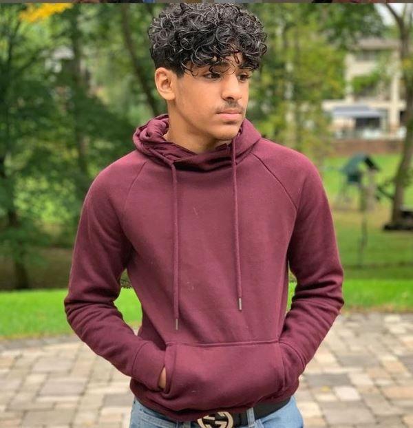 Noor Stars's brother