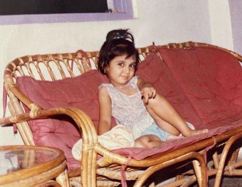 प्राजक्ता कोली की बचपन की तस्वीर
