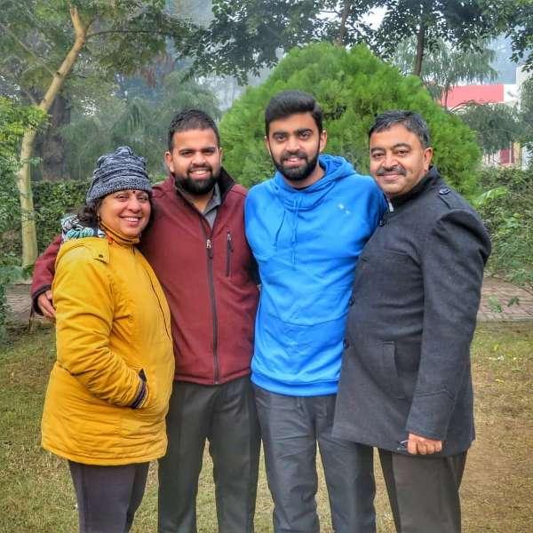 Rahul dua with his family