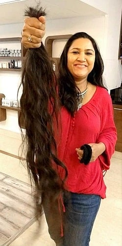 बाल कटवाने के बाद रजनीगंधा शेखावत