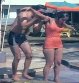 फिल्म 'वक्त' के दौरान एक्टर सुनील दत्त के साथ साधना