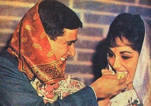 साधना अपने पति आरके नैयर के साथ