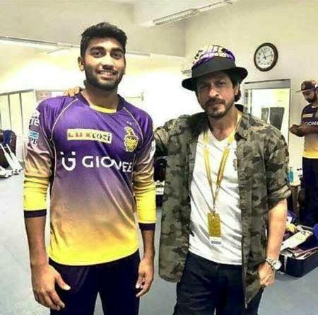 केकेआर के मालिक शाहरुख खान के साथ संजय यादव