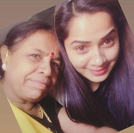 Shobha Shetty and her mother