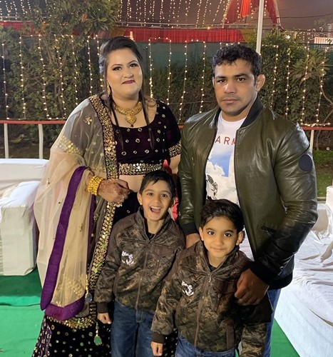 Sushil Kumar with his wife, Savi and their sons, Suvarn and Suveer