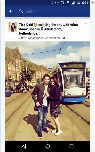 अतहर आमिर खान और टीना डाबी 2016 में अपनी विदेश यात्रा के दौरान