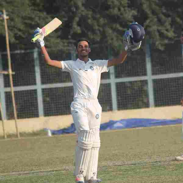 रणजी ट्रॉफी में झारखंड के लिए उत्कर्ष सिंह
