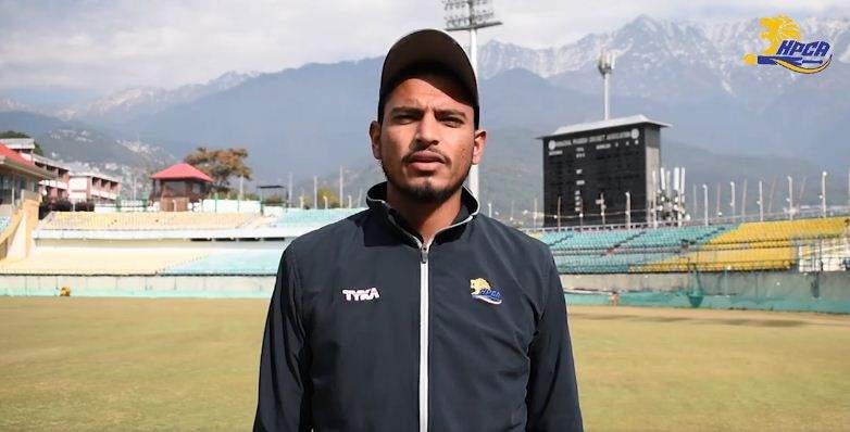 वैभव अरोड़ा मैच के बाद जहां उन्होंने सौराष्ट्र के खिलाफ 9 विकेट चटकाए