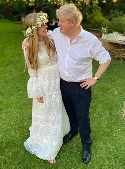 Wedding photograph of Carrie Symonds and Boris Johnson