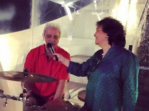 जिया मोदी और महेश जेठमलानी गोवा में जिया का जन्मदिन मनाते हुए (2016)