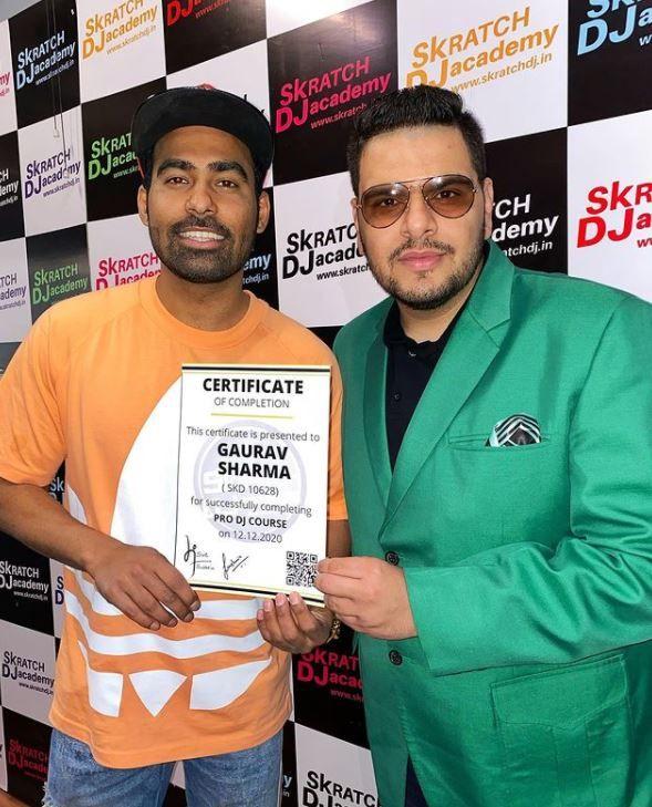 गौरव शर्मा डीजे प्लेयर के रूप में प्रमाणित certified